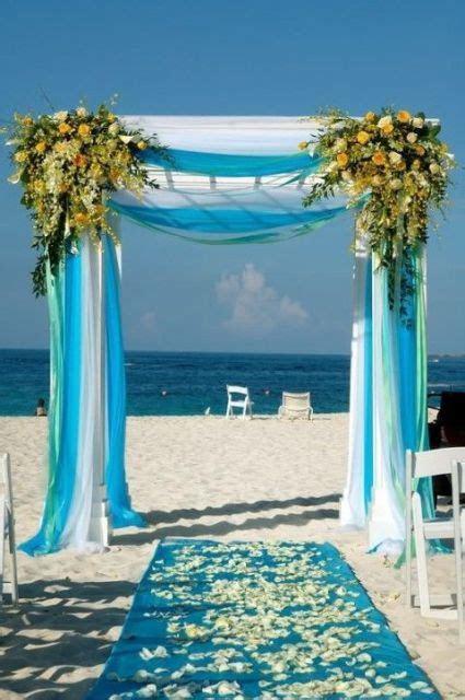 30 Romantic Blue Beach Wedding Ideas   Weddingomania
