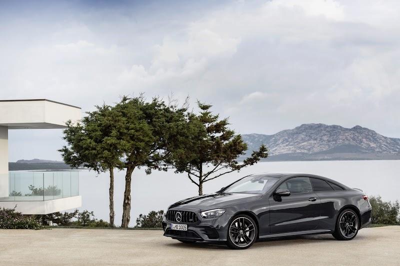 Mercedes-Benz E-Class Coupé and Cabriolet oleh - mercedesbenzgleclass.xyz