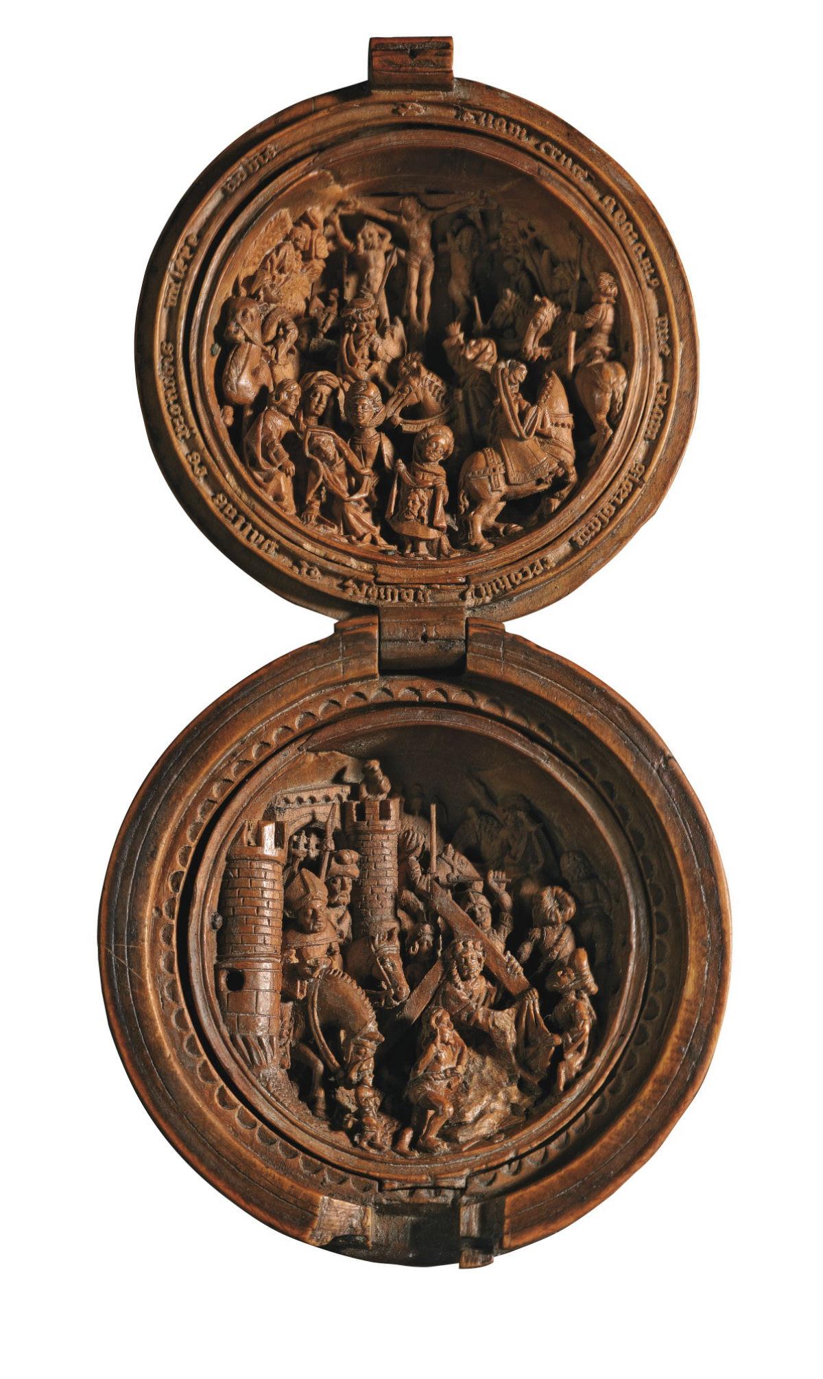 Castanhas de Oração do Século 16 primorosamente esculpidas 02