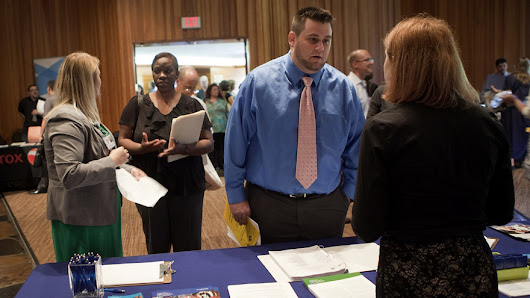 U.S. jobless claims remain low at 298,000 - MarketWatch
