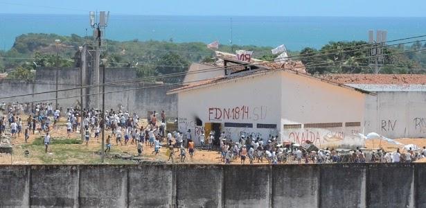 """BRASIL: Em vídeo, PCC ameaça levar """"guerra à rua"""" se facção rival não sair de Alcaçuz"""