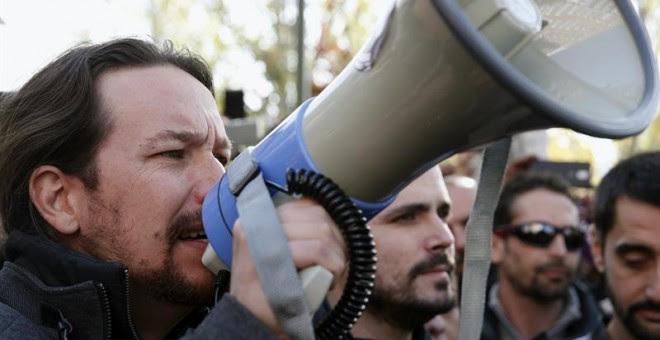 Pablo Iglesias en las protestas ante la sede de Gas Natural en Madrid / EFE