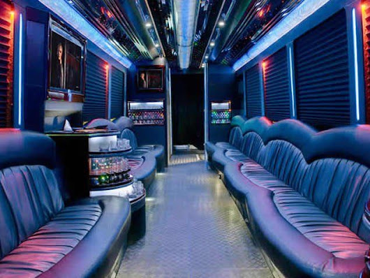 Party Bus Chicago | Limo Bus Rental With A Bathroom