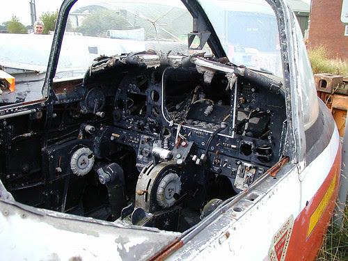 T.4 XS180 cockpit Picketston 160902