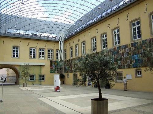 Neumünster Abbey[2]