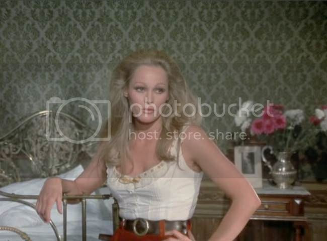 photo Ursula_Andress_soleil_rouge-05.jpg