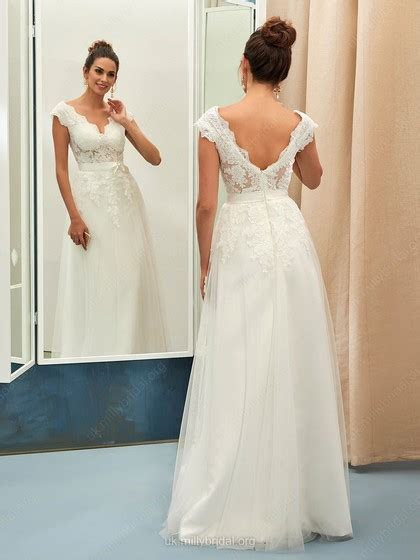 Nice A line V neck Tulle with Appliques Lace Floor length