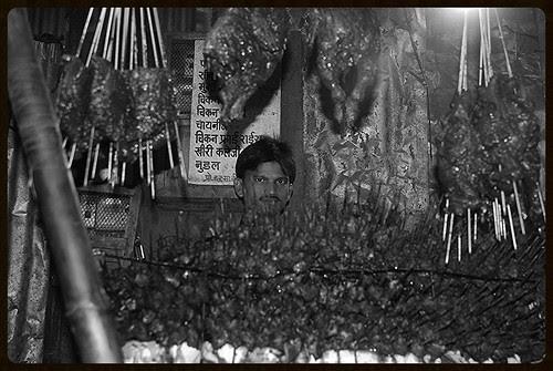 Bandra East Seekh Kababwalas .. by firoze shakir photographerno1