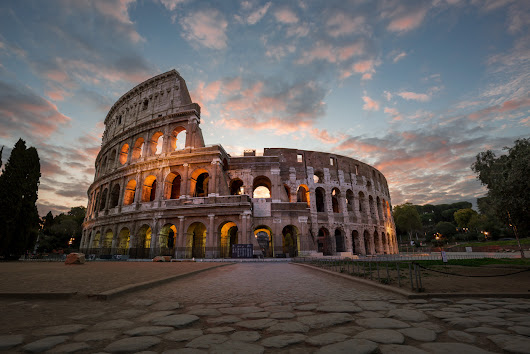 Colosseum | Walk over the World