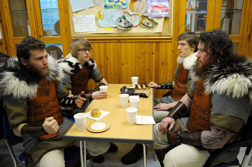 vikings-up-helly-aa-festival-shetland-scotland-7