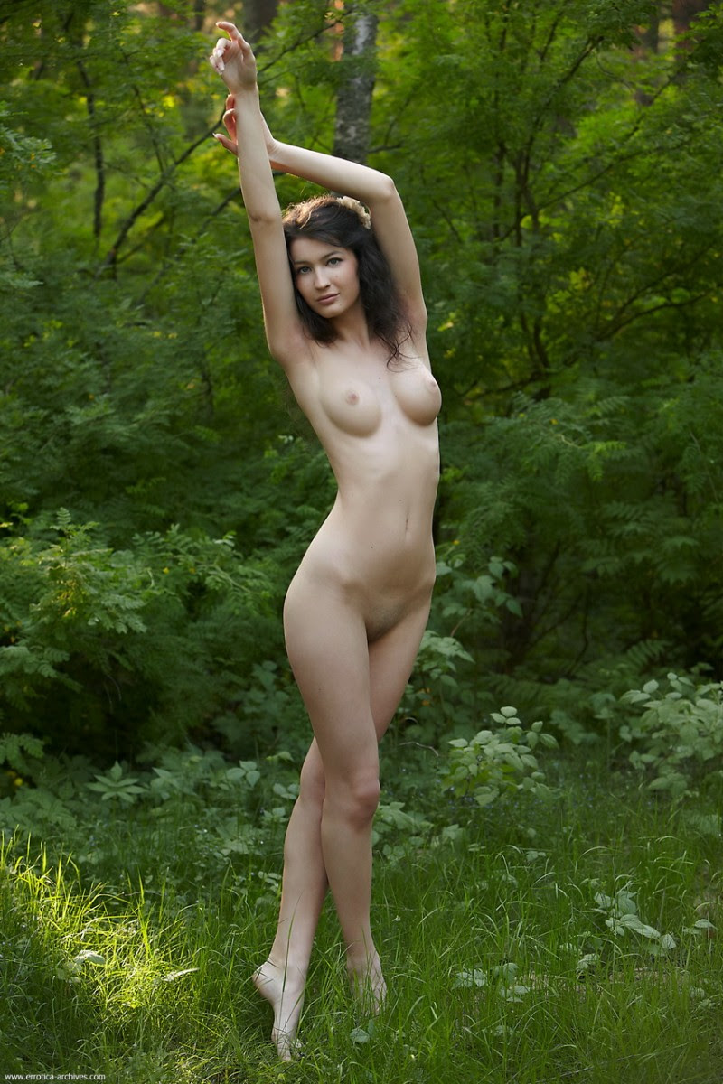 glafira-forest-nude-errotica-archives-12