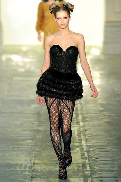 http://richgirllowlife.blogspot.com/