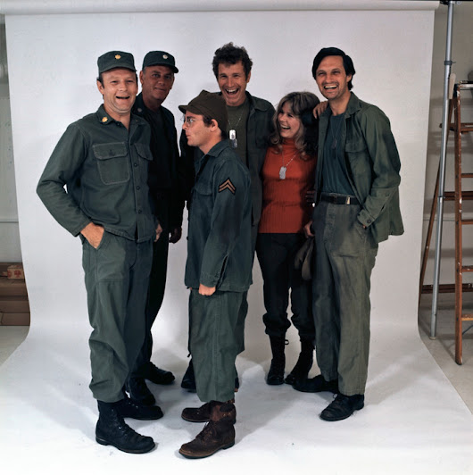 The cast of M*A*S*H - 1972 • r/OldSchoolCool