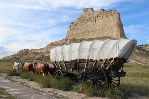 IMG_1735_Wagon_at_Eagle_Rock_at_Scotts_Bluff_National_Monument