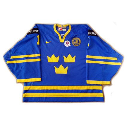 Sweden 1998 jersey photo Sweden 1999 F jersey.jpg