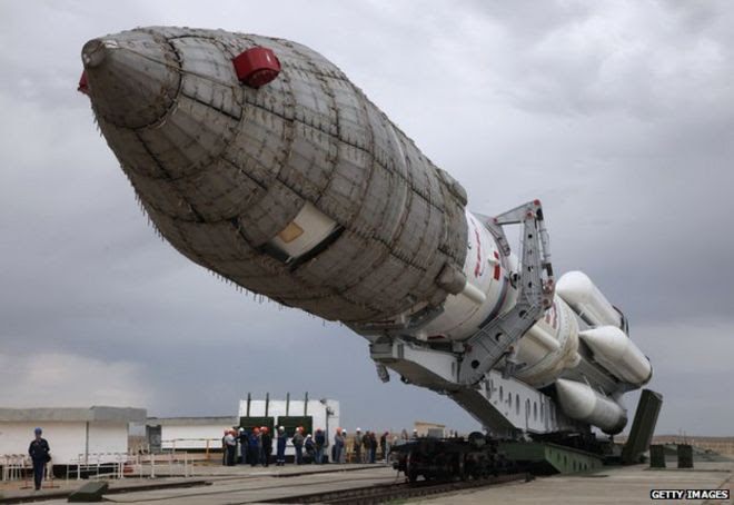Proton roll-out for Inmarsat launch