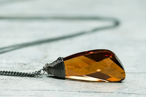 From DevikaBox on etsy, this is such a beautiful color for fall and winter.  #necklace   #jewelry   ...