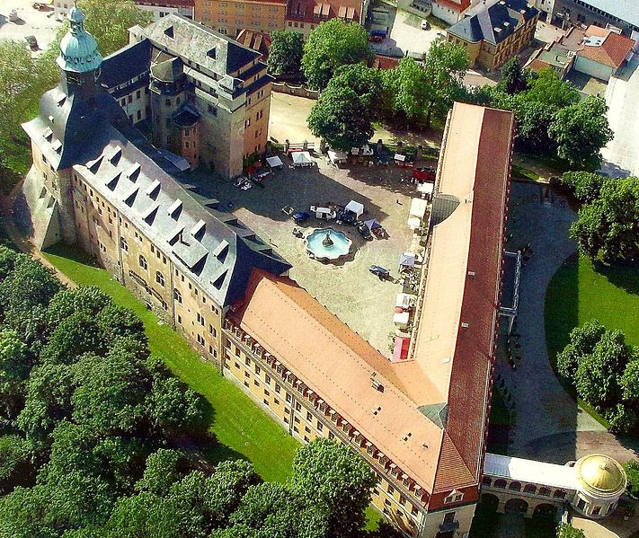 File:Schloss Sondershausen.jpg