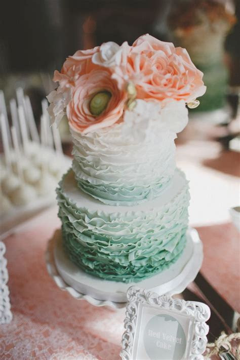 Romantic Rustic Wedding in Winnipeg   Style, Cakes and