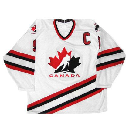 Canada 1995-96 National Team jer photo Canada1995-96NationalTeamF.jpg