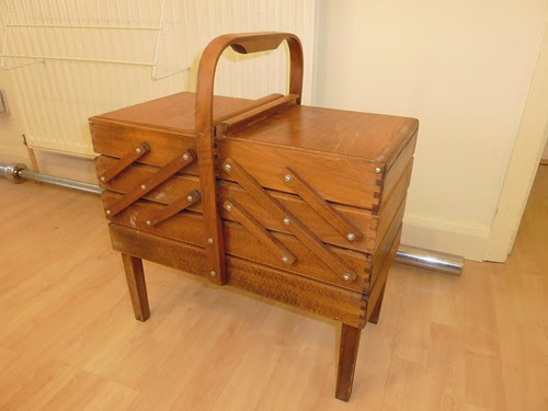01 - Vintage 4-Tier Cantilever Wooden Sewing Box