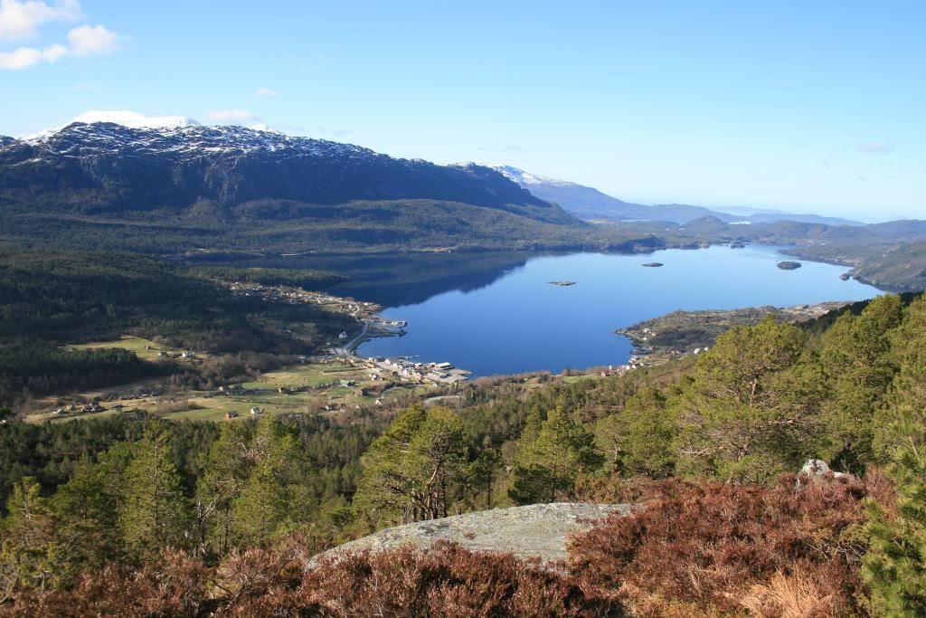 Utsikt utover Eikefjord fra Eikefjordstøylen