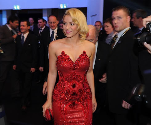 Hot Shakira in a red dress, at the FIFA Balon d'Or 2011 awards event