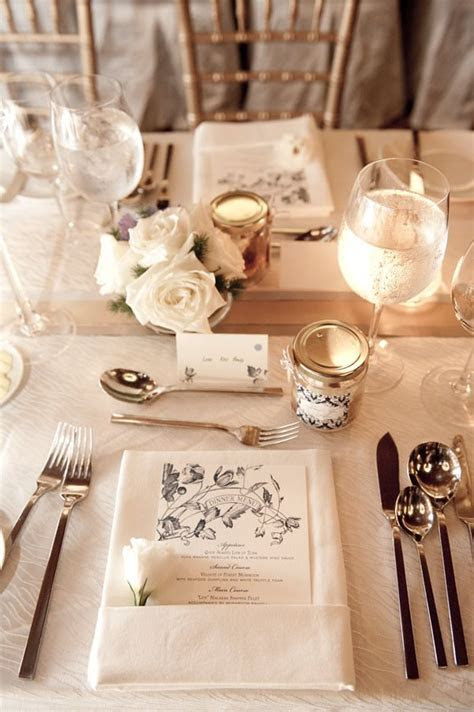 25  best ideas about Vintage table settings on Pinterest