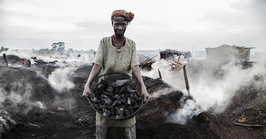 The Women Who Toil in Ivory Coast's 'World of Smoke'