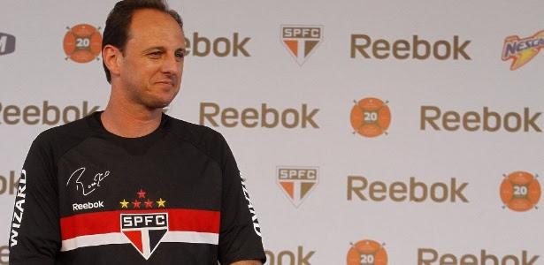 Reebok fornece material esportivo para o São Paulo desde 2006; Penalty fica até 2015
