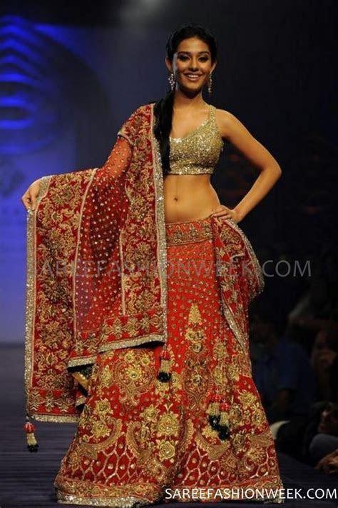 Manish Malhotra Kolkata Fashion Week.   Wedding Lehenga