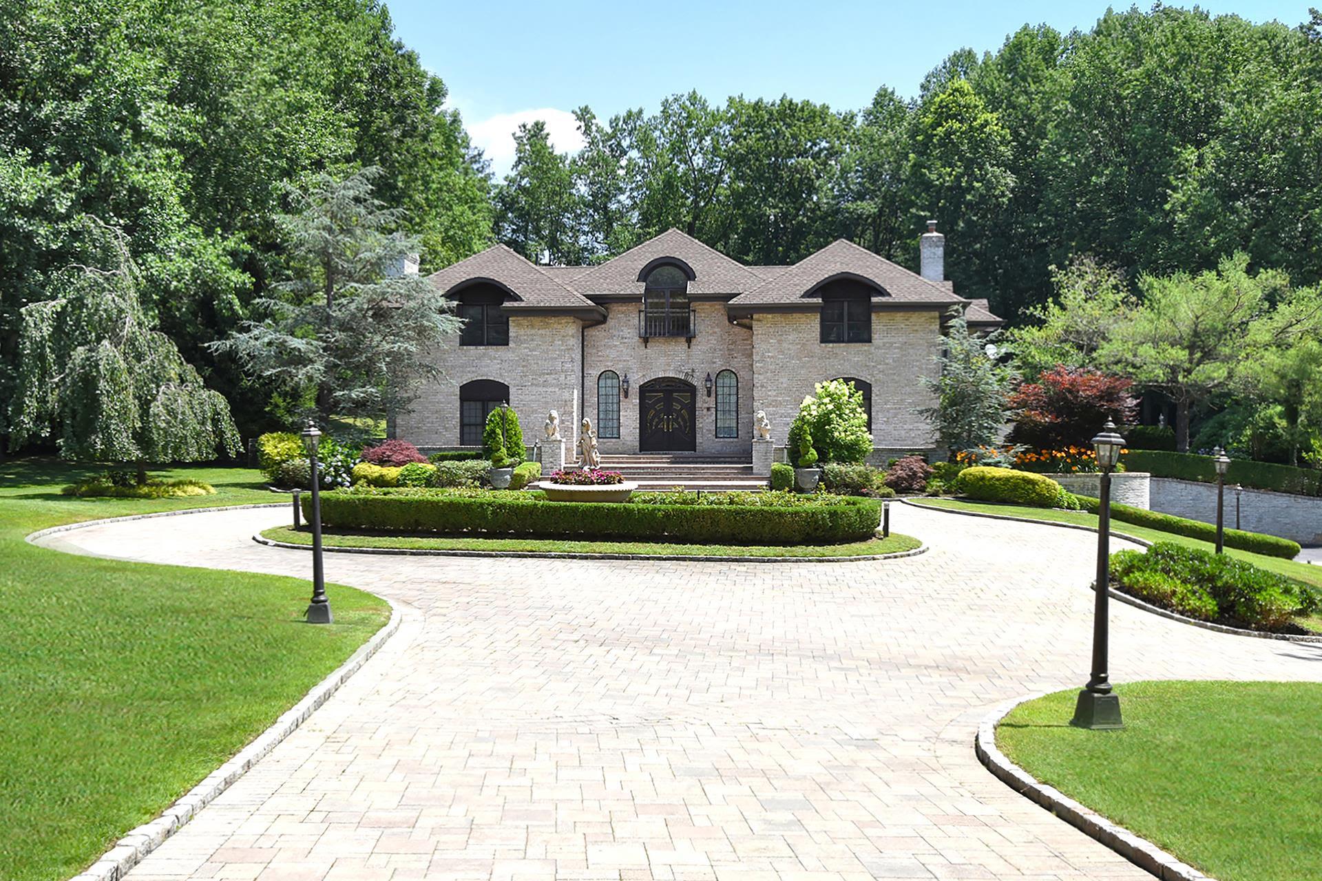 Old Westbury Real Estate & Homes for Sale   Douglas Elliman