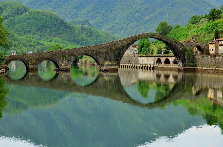 vecchi-antichi-ponti-misteriosi-nel-mondo-43