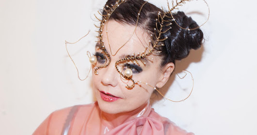 Björk: 'It's no coincidence that the porn industry has embraced virtual reality' | Music | The Guardian