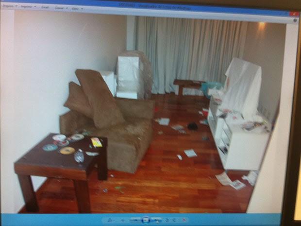 Apartamento de Chorão estava bastante danificado (Foto: Divulgação)