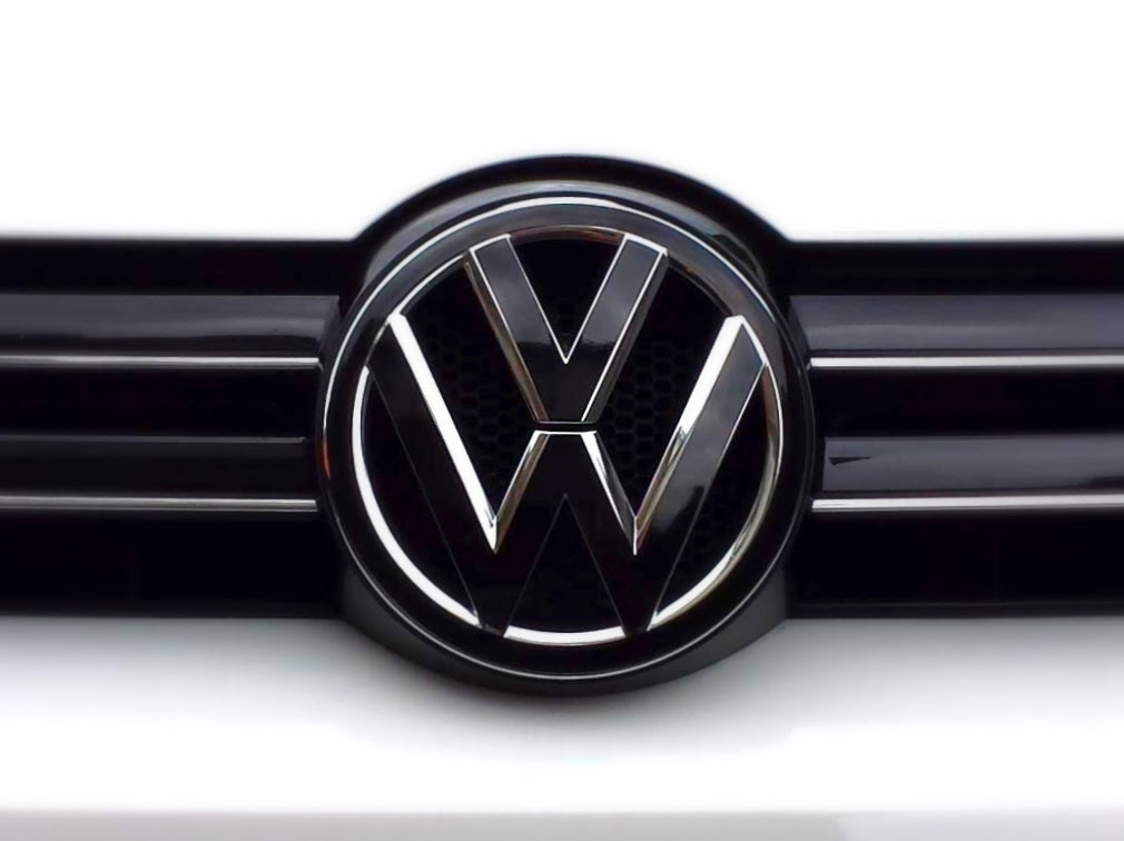 VW - MK6 VW emblem badgeskin set