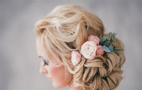 How Much Do Wedding Day Hair And Make up Cost?   Weddbook