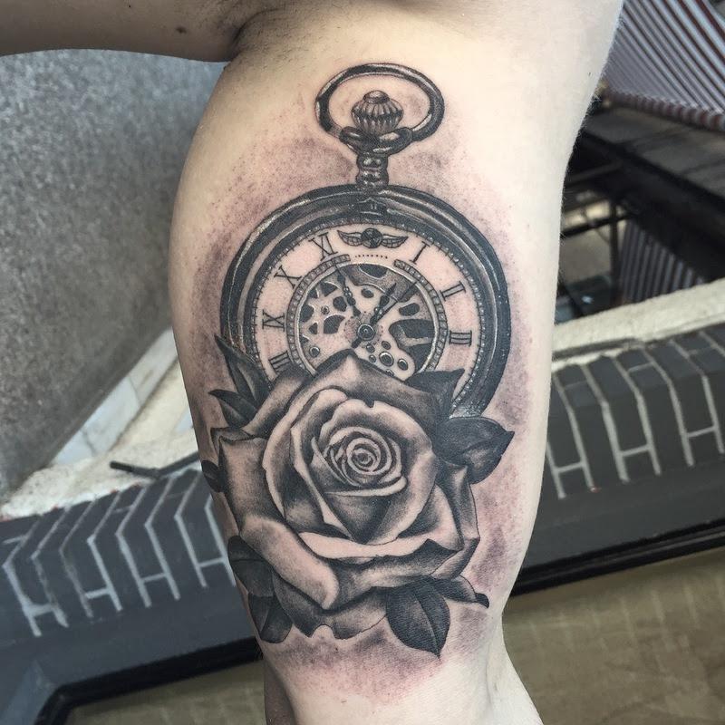 Reloj Con Rosa