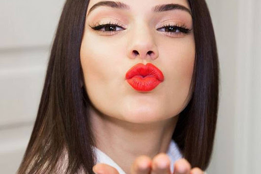 This is what the shape of your fave lipstick says about you...