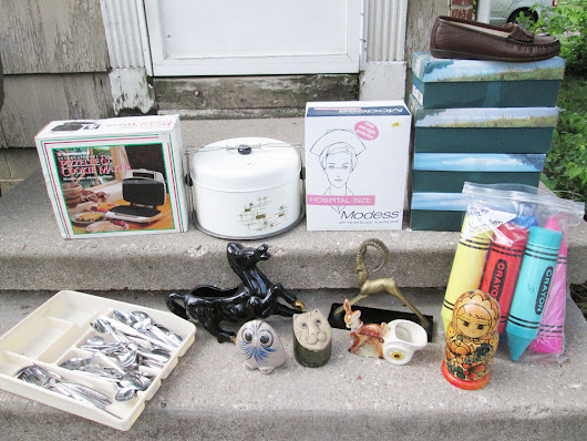 Thrift Haul – Hoarder Estate Sale + Flea Market | Vintage Goodness