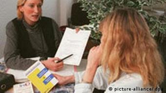 Έλλειψη συμβουλευτικών υπηρεσιών για πολίτες με καταναλωτικά χρέη στη Γερμανία