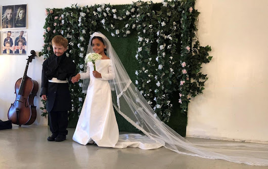 American kids recreate royal wedding for photoshoot | Reuters