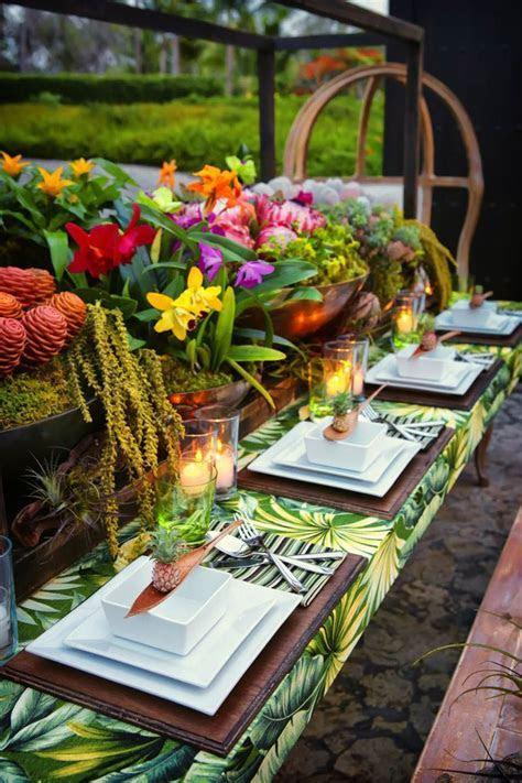 HOW TO TROPICAL TABLE DECOR   Tropical wedding decor