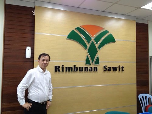 Robin met and discuss palm oil technicals with mr  David Tiong Chiong Ong Managing Director of Rimbunan Sawit bhd