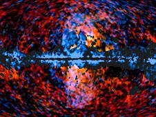 Este céu, tudo mostra a distribuição da névoa galáctico visto por missão Planck da ESA, em freqüências de microondas sobrepostas sobre o céu de alta energia, como visto pelo Telescópio Espacial de Raios Gama Fermi.