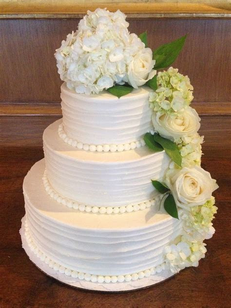Best 25  Hydrangea wedding cakes ideas on Pinterest