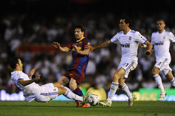 http://www2.pictures.zimbio.com/gi/Real+Madrid+v+Barcelona+Copa+del+Rey+Final+QapYW5MgDsvl.jpg