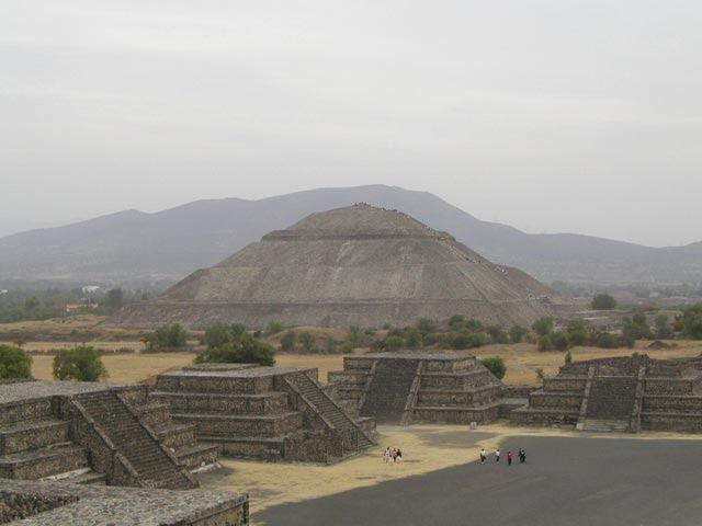File:MW-Teotihuacan9.jpg