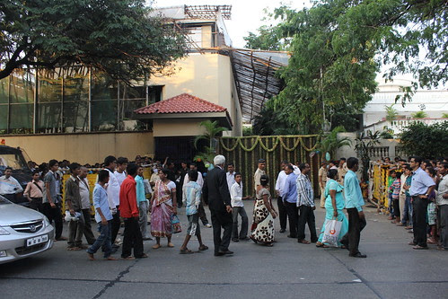 Mr Amitabh Bachchan Fans Well Wishers Throng His House - 70 Th Birthday by firoze shakir photographerno1