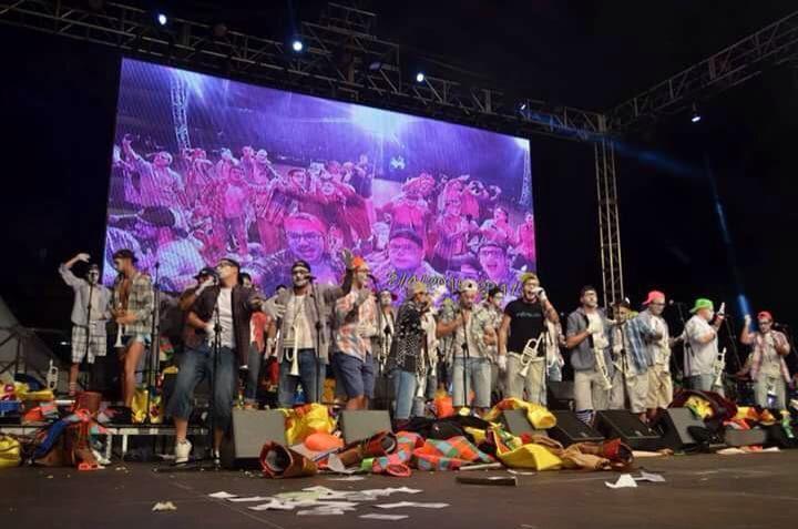 Grupo EnMascarada Carnaval: Irónicos, Son Los Nuevos Reyes